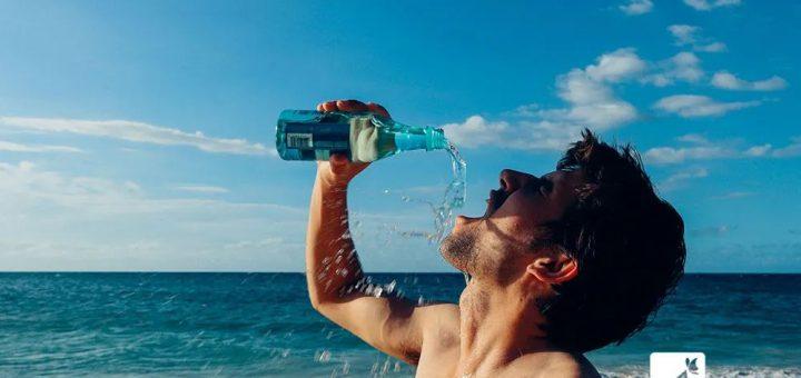边吃饭边喝水会影响消化?同样是液体,难道喝汤就不影响?