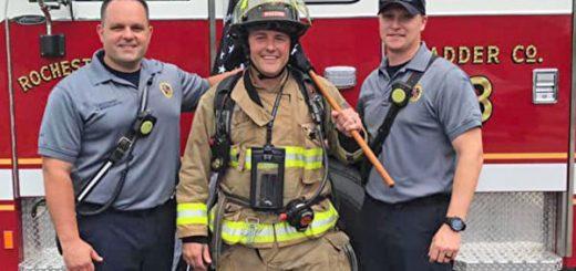 美国消防员着装步行140英里 为癌症队友募款