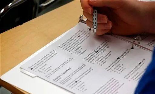 华人注意!全美SAT将取消作文和科目考试,家长忧心大学录取标准